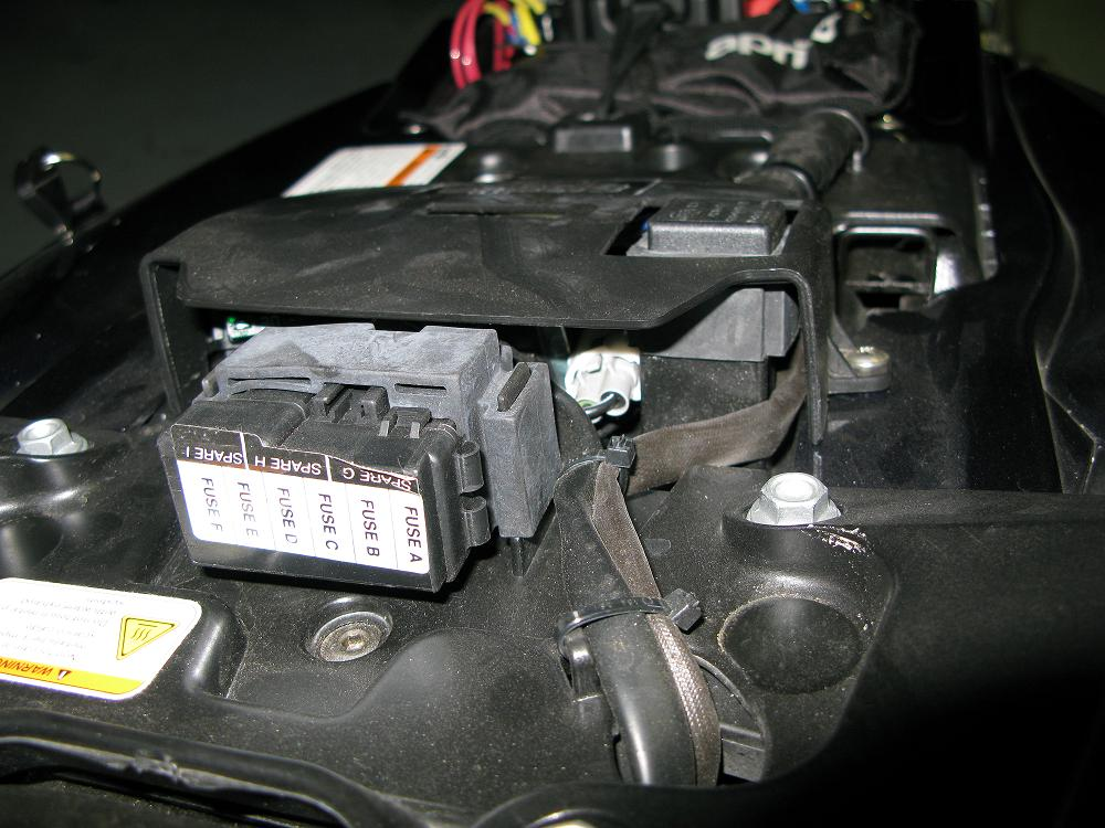 [ZSVE_7041]  Relay/Fuses location picture needed | Aprilia Fuse Box |  | Aprilia Forum