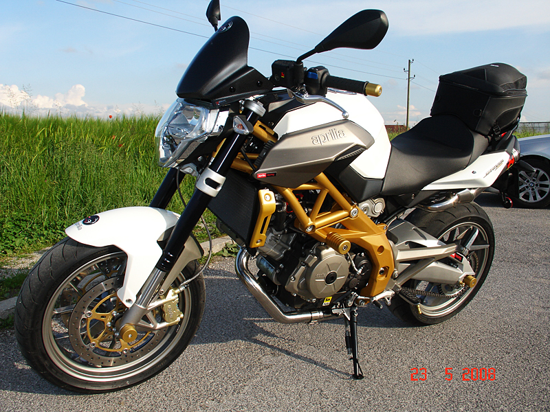 White Aprilia Shiver with Akrapovič exhaust