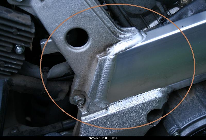 Click image for larger version.  Name:capo frame oil seep_5551.JPG Views:253 Size:211.2 KB ID:202786