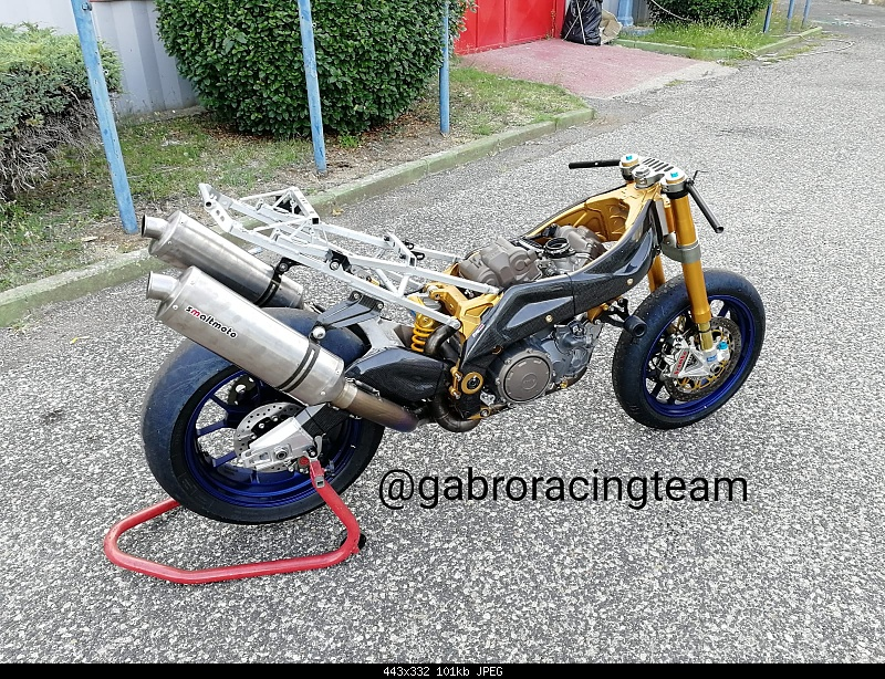 Click image for larger version.  Name:Golia01 Aprilia RSV Gabro racing evo6 OZ ohlins brembo.jpg Views:33 Size:101.5 KB ID:387152