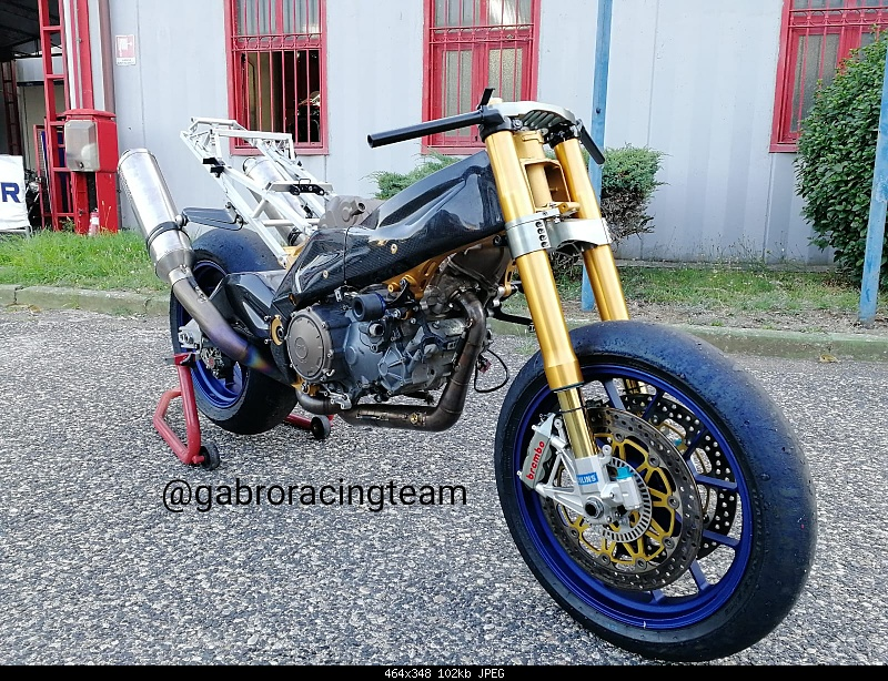 Click image for larger version.  Name:Golia03 Aprilia RSV Gabro racing evo6 OZ ohlins brembo.jpg Views:37 Size:101.8 KB ID:387153