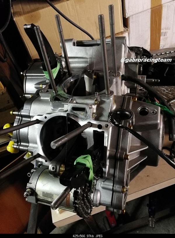 Click image for larger version.  Name:Gabro Racing Aprilia v60 v2 engine Rotax block blocco motore rsv tuono gen1 gen2 01.jpg Views:18 Size:97.1 KB ID:387201