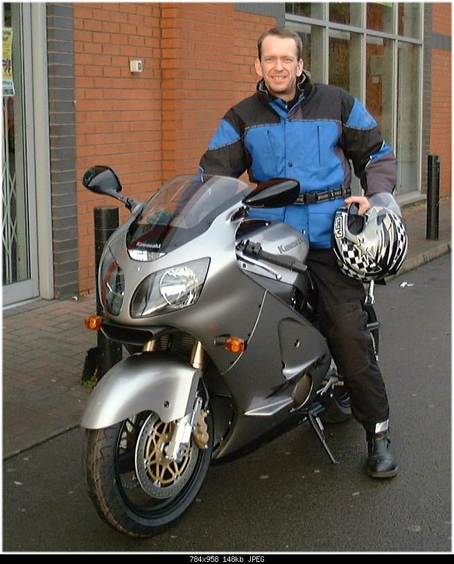 Click image for larger version.  Name:ZX12R x 2.jpg Views:396 Size:148.3 KB ID:149276