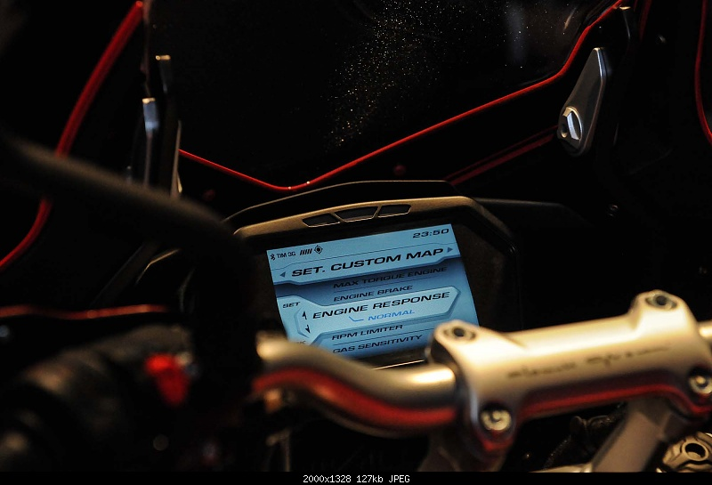 Click image for larger version.  Name:2014-MV-Agusta-Turismo-Veloce-800-21.jpg Views:16 Size:126.9 KB ID:237003